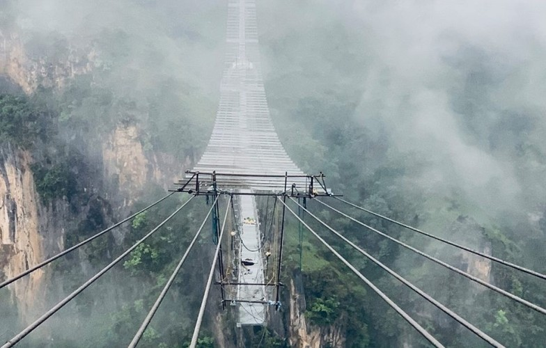 सिक्री बेचेर पुल हेर्न सय किमी यात्रा